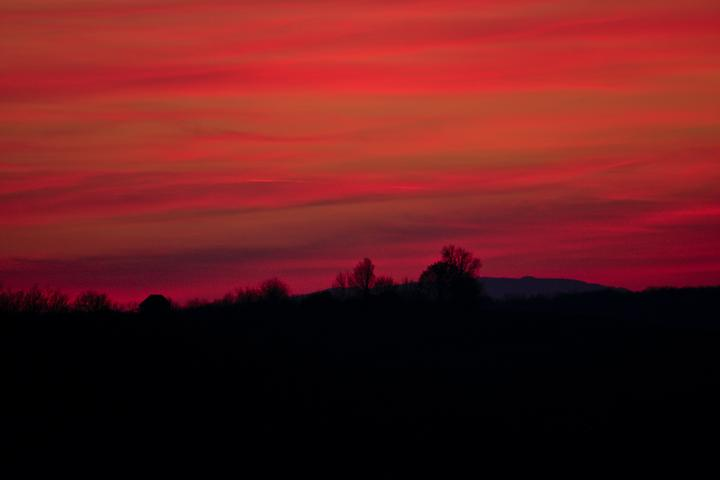 /images/red_sunset.thumbnail.jpg